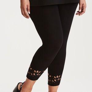 Laser Cut Cropped Leggings size 4 NEW brand TORRID